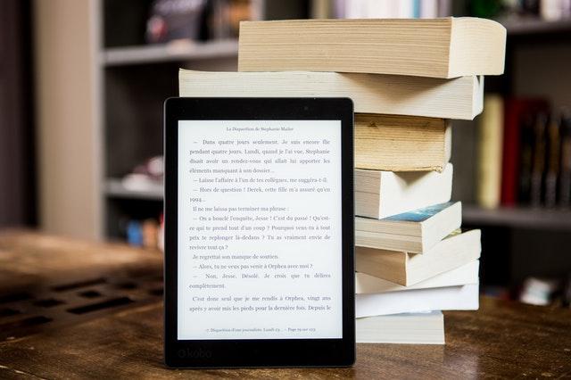 紙の本と電子書籍どっちが良い?