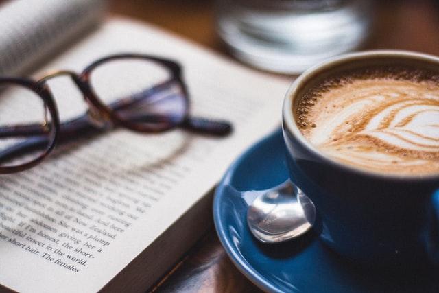 本を読む人の特徴5選!